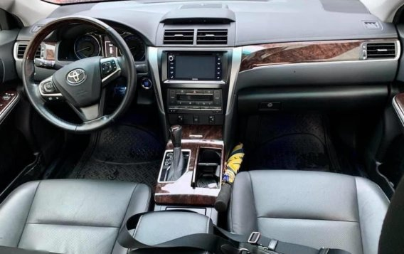 Grey Toyota Camry 2016 for sale in Manila-4