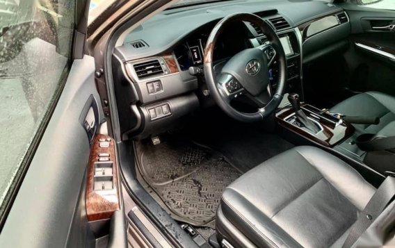 Grey Toyota Camry 2016 for sale in Manila-5