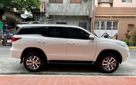 Selling White Toyota Fortuner 2016 in Mandaluyong-4