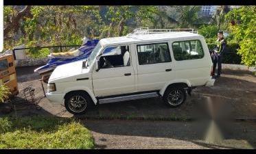 Sell White Toyota tamaraw in Malay
