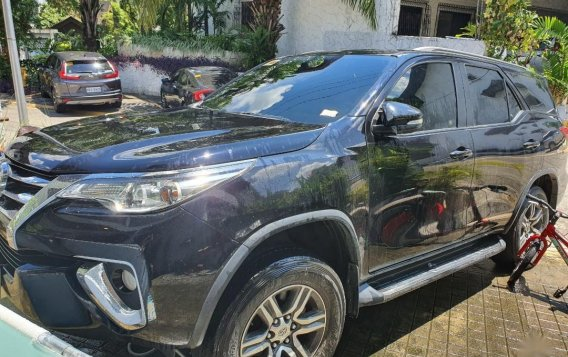 Black Toyota Fortuner for sale in Quezon City-1