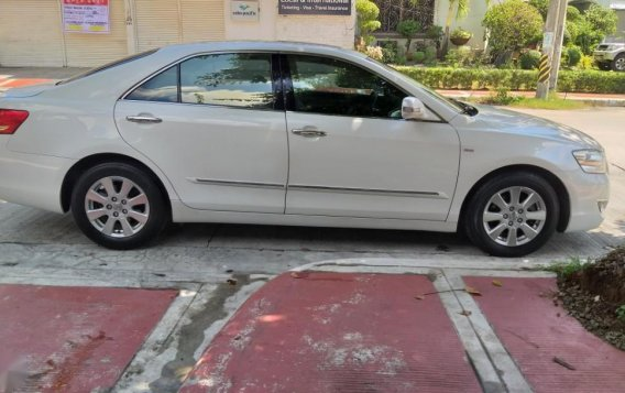Selling White Toyota Camry in Quezon City-7