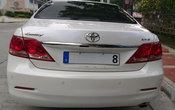 Selling White Toyota Camry in Quezon City-6