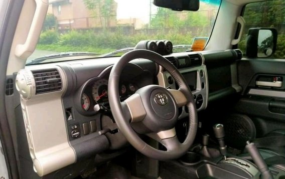 Selling Silver Toyota Fj Cruiser 2015 SUV at 50000 km in Manila