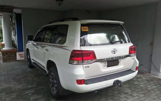 Selling Pearl White Toyota Land Cruiser 2019 in Subic-1