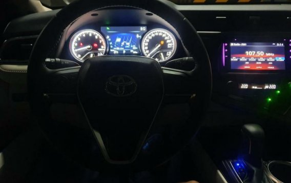 Black Toyota Camry 2019 for sale in Manila-4