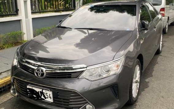 Sell Grey 2016 Toyota Camry in Makati