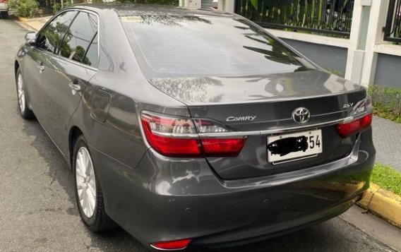 Sell Grey 2016 Toyota Camry in Makati-1