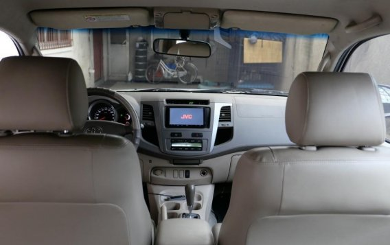 Pearl White Toyota Fortuner 2007 for sale in Manila-7