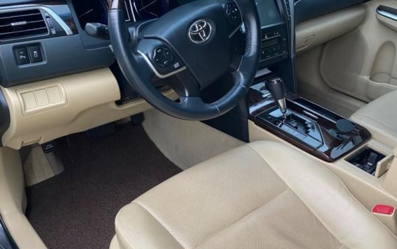 Sell Grey 2016 Toyota Camry in Makati-4