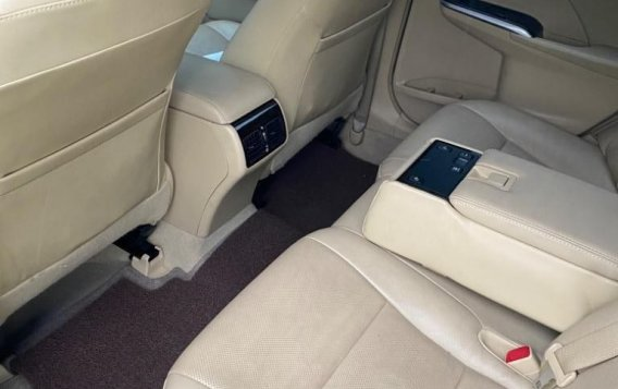 Sell Grey 2016 Toyota Camry in Makati-5