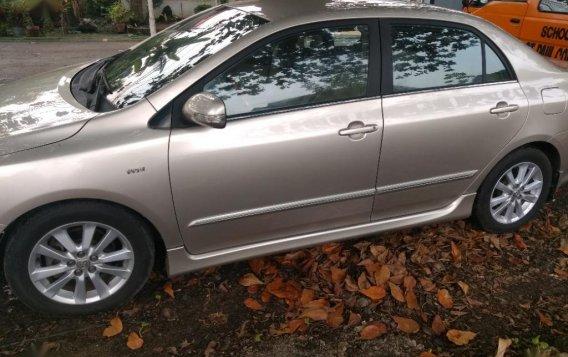 Silver Toyota Corolla Altis 2009 for sale in Manila-2