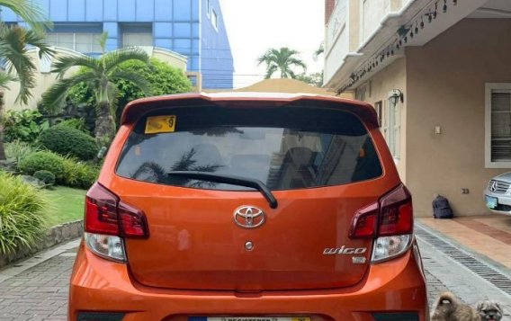 Selling Orange Toyota Yaris 2019 in Manila-3