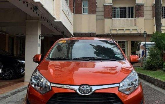 Selling Orange Toyota Yaris 2019 in Manila-2