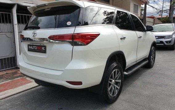 Sell Pearl White 2016 Toyota Fortuner in Manila-3