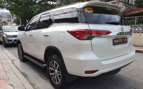 Sell Pearl White 2016 Toyota Fortuner in Manila-4