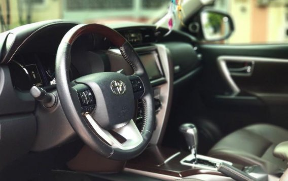 Sell Pearl White 2016 Toyota Fortuner in Manila-7