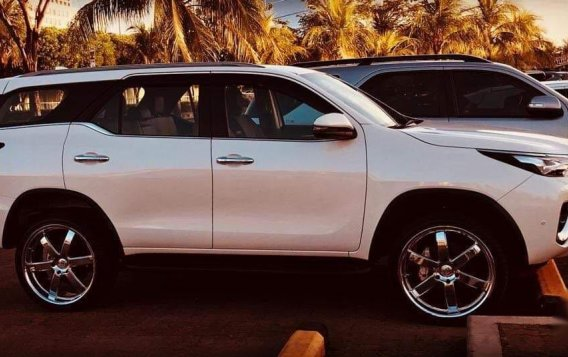 White Toyota Fortuner 2019 for sale in Bacoor