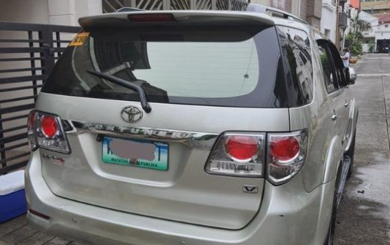Sell Silver 2014 Toyota Fortuner in Parañaque-4