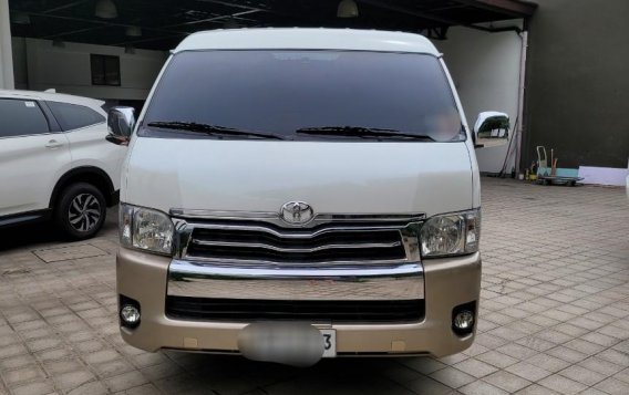 White Toyota Hiace 2015 for sale in Quezon City-1