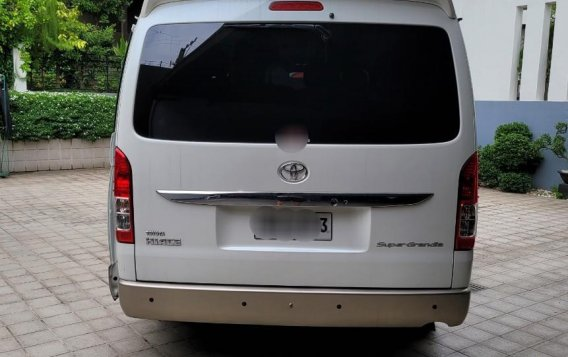 White Toyota Hiace 2015 for sale in Quezon City-2