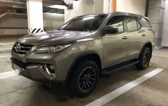 Silver Toyota Fortuner 2018 for sale in Manila