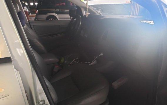 Silver Toyota Innova 2006 for sale in Malabon City-5