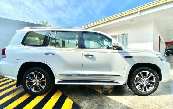 White Toyota Land Cruiser LC200 2021 for sale in Quezon