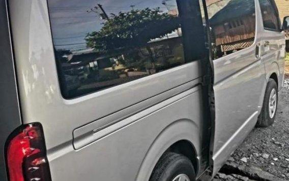 Silver Toyota Hiace Grandia 2013 for sale in Santo Domingo-1