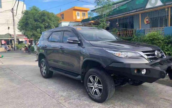 Selling Silver Toyota Fortuner 4X2 2.4L G 2017 in Makati