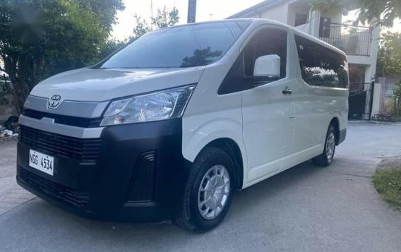 Selling White Toyota Hiace Commuter Deluxe 2020 in Manila-3
