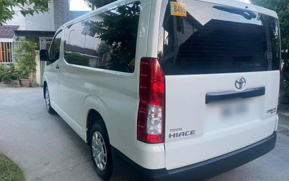 Selling White Toyota Hiace Commuter Deluxe 2020 in Manila-2