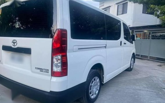 Selling White Toyota Hiace Commuter Deluxe 2020 in Manila-1