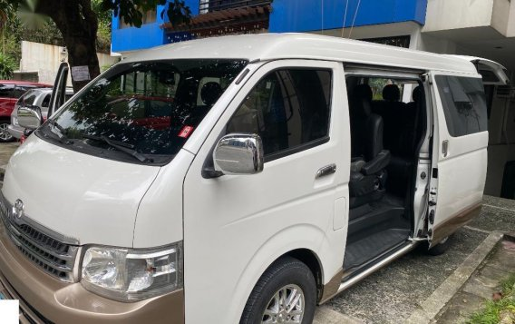 Selling White Toyota Hiace Super Grandia 2014 in Quezon-4
