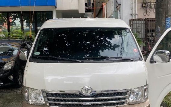 Selling White Toyota Hiace Super Grandia 2014 in Quezon