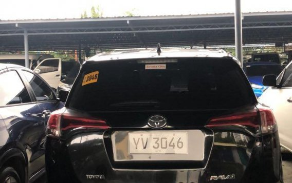 Selling Black Toyota Rav4 2016 in Manila-6