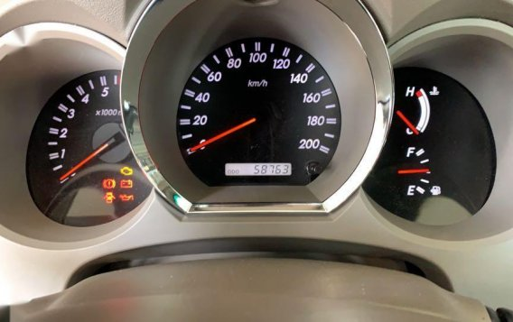 Pearlwhite Toyota Fortuner 2007 for sale in Las Pinas-7