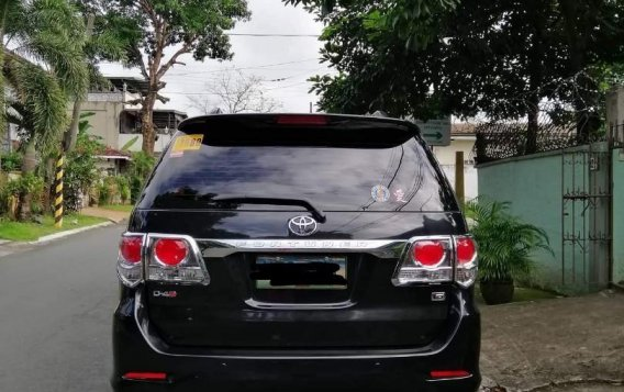 Selling Silver Toyota Fortuner 2013 in Quezon-1