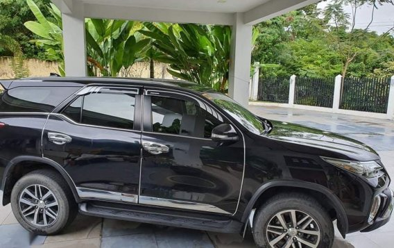 Black Toyota Fortuner 2017 for sale in Cebu