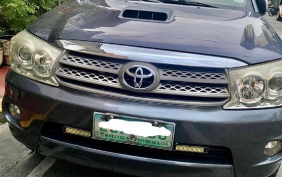 Silver Toyota Fortuner 2009 for sale in Manila