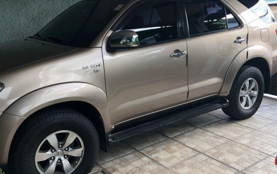 Golden Toyota Fortuner 2007 for sale in Paranaque-1