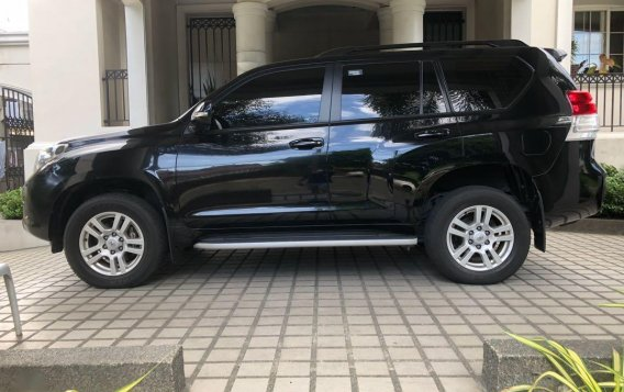 Selling Black Toyota Land Cruiser 2013 in Quezon-1