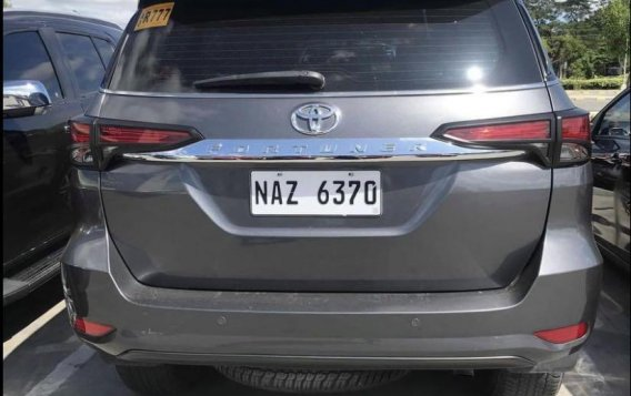 Silver Toyota Fortuner 2017 for sale in Manila-2