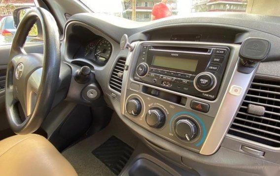Selling Brightsilver Toyota Innova 2012 in Silang-6