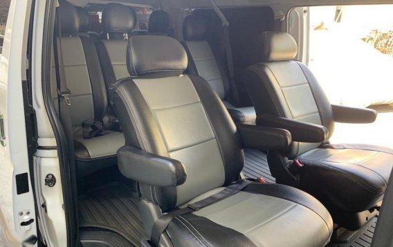 Selling Pearlwhite Toyota Hiace Super Grandia 2018 in Quezon-7