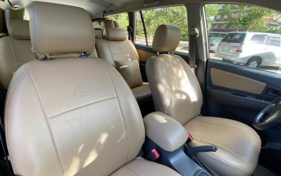 Selling Brightsilver Toyota Innova 2012 in Silang-5