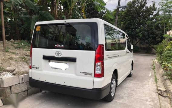 Selling White Toyota Hiace 2017 in Quezon-2