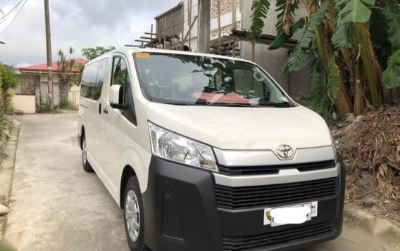 Selling White Toyota Hiace 2017 in Quezon-1