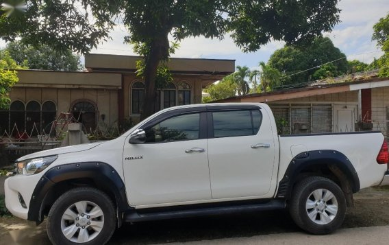 Toyota Hilux G AT 2019 Model Auto-2
