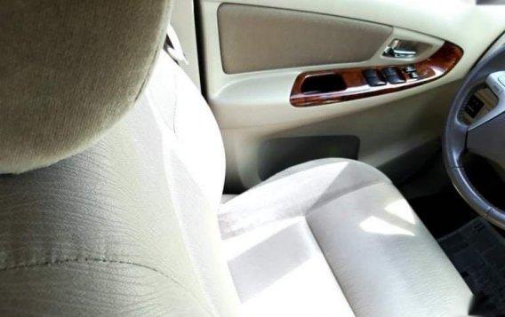 Toyota Innova 2012-6